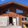Vogelschutz_Haus_Aussenansicht mit schmalen Tape400 Streifen